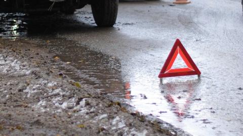Двое мужчин пострадали при столкновении иномарок на Московском шоссе