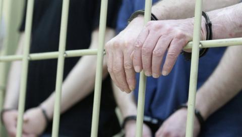 Сбежавший из колонии убийца многодетной жены заключен под стражу на два месяца