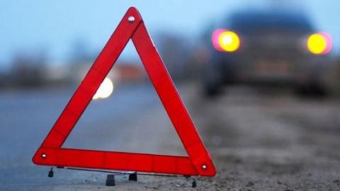 В аварии с двумя легковушками на Крымской пострадал водитель