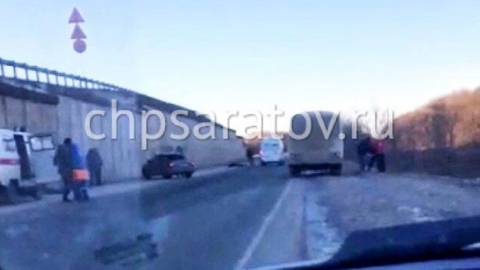 В Балашове двое мужчин упали с моста, один погиб на месте