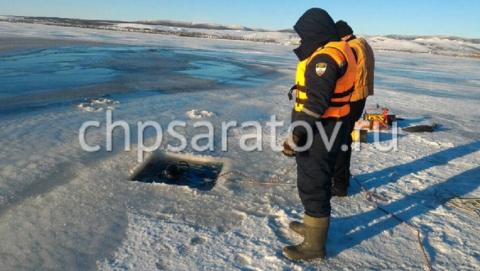 На Волге под Хвалынском водолазы ищут утонувшего рыбака