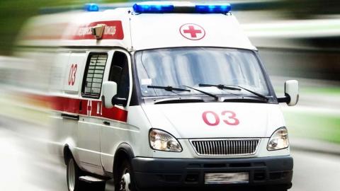 Под Ершовом два человека пострадали при столкновении легковушки и пассажирского автобуса