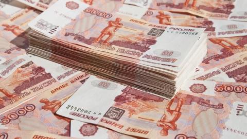 В Саратове продавщица украла у клиентки карту и сняла 100 тысяч рублей