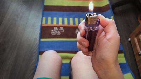 Причиной пожара в Аткарске могла стать игра маленьких детей с зажигалкой