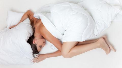 Саратовцев приглашают за постельным бельем из шелка