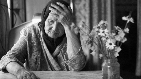 В Энгельсе женщина забила пожилую мать до смерти тапком и черенком от лопаты