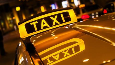 Саратовец перерезал горло водителю такси и скрылся на его машине