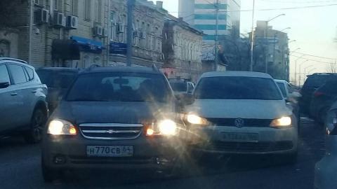Столкновение иномарок блокировало движение по Первомайской