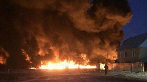 Семья, чей дом сгорел из-за прорыва нефтепровода, получит квартиру в новостройке