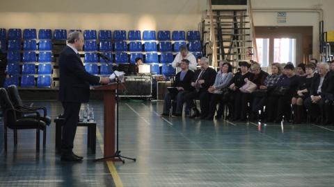 """""""Тормозами"""" развития области губернатор назвал теневую занятость и пенсионеров"""