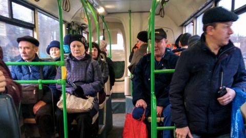 В Саратове два человека пострадали при столкновении автобусов