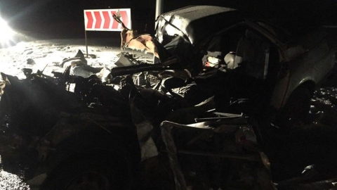 Под Энгельсом в аварии с фурой погибли четыре человека