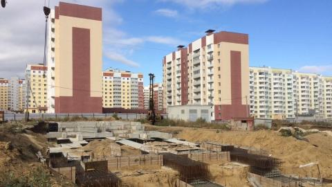 """Строительство """"проблемного"""" дома в """"Солнечном-2"""" могут возобновить после публичных слушаний"""