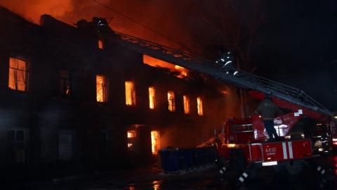 Из горящего дома на Аткарской спасли 20 человек