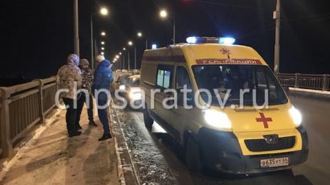 На мосту Саратов-Энгельс горожане спасли девушку