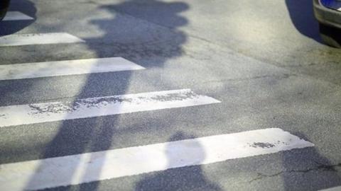 """На пешеходном переходе водитель """"Газели"""" сбил женщину"""