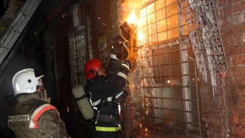 Сгоревший на Аткарской дом был признан аварийным