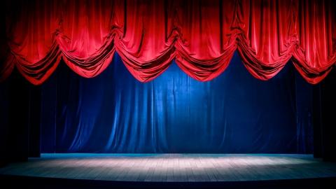 Саратовцев ждут на спектакле по поэмам Пушкина и вечере стендапа