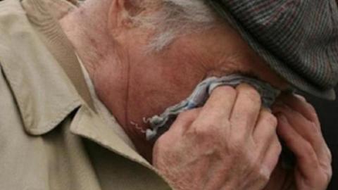 Сельчанин получил 4,5 года колонии за вымогательство денег у старика