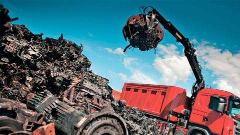Двое саратовцев хотели сдать украденное ограждение канализационной шахты на металлолом