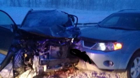 Под Вольском мужчина погиб в массовой аварии с грузовиком