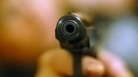 Мужчина выстрелил в приятеля у сельского Дома культуры