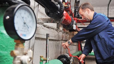 Энергетики работают в режиме повышенной готовности из-за снегопада