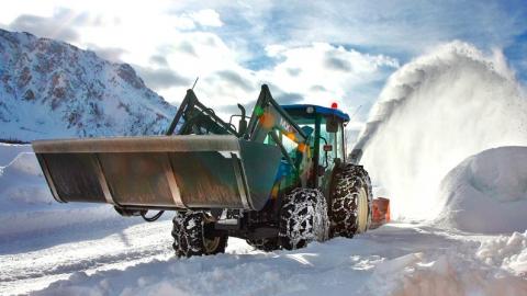 Володин поможет Саратову со спецтехникой для уборки снега