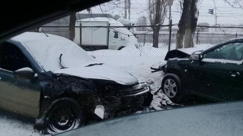Два человека пострадали в результате ДТП на Шехурдина