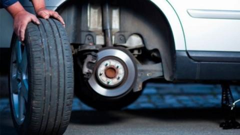Житель Энгельса отработает 200 часов за кражу автомобильных шин