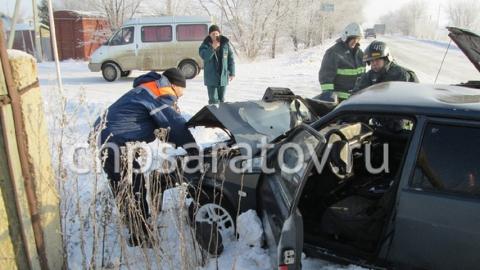 Четыре человека пострадали в аварии с двумя легковушками в Ершове