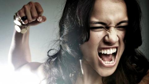 В Саратове женщина избила безработного мужчину