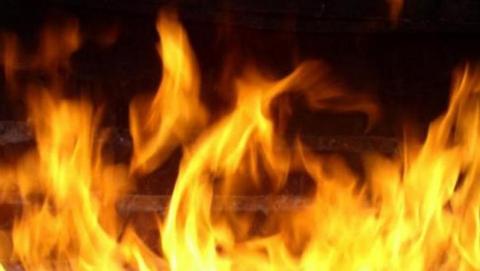 Два человека пострадали на ночном пожаре в Саратове
