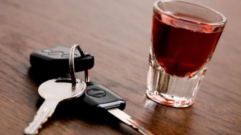 """В Саратове поймали пьяного мужчину за рулем """"Логана"""""""