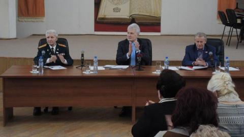 Ландо пообещал вести диалог с правительством