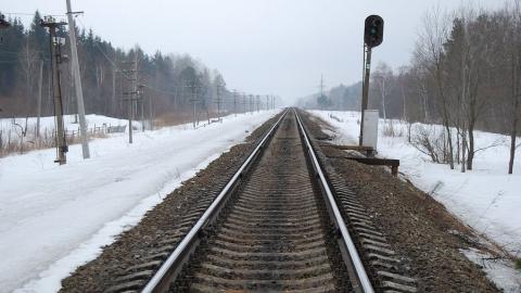 В Татищевском районе мужчина попал под поезд
