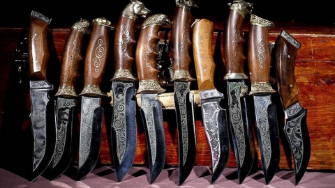В Ртищево поймали подозреваемого в торговле ножами