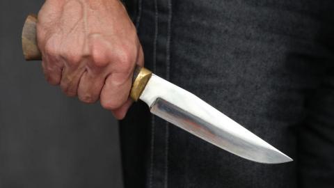 Саратовец ударил ножом в спину свою мать