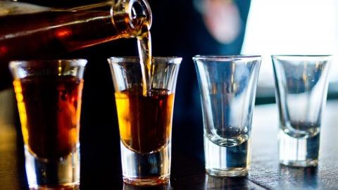 В баре на Радищева незаконно продавали алкоголь