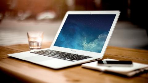 Энгельсский бомж украл ноутбук у балаковца