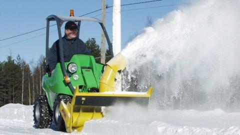 Саратовцев просят не парковаться на Большой Казачьей из-за уборки снега