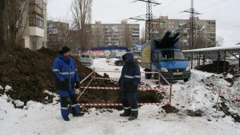 В Саратове заменят аварийный трубопровод на Перспективной
