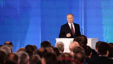 Владимир Путин поставил задачу вдвое снизить уровень бедности