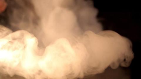 Саратовцы вломились в павильон и похитили кальян и табак на 30 тысяч