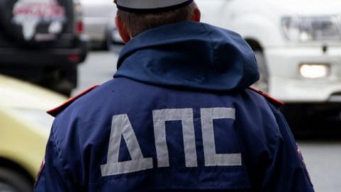Пензенский водитель-нарушитель пытался дать взятку инспектору ГИБДД