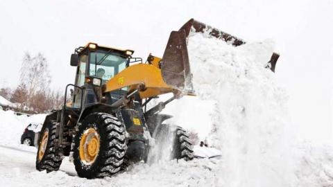 На расчистку улиц Саратова от снега выехало 150 единиц техники