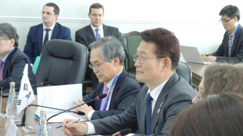 Володин пригласил представителей Кореи на летний отдых на Волге