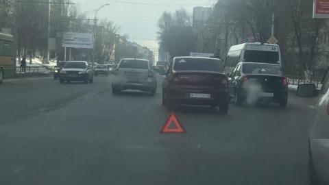 На Чернышевского из-за нескольких ДТП затруднено движение в обе стороны