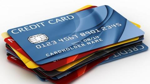 Безработный саратовец украл у мужчины 194 тысячи рублей с банковской карты