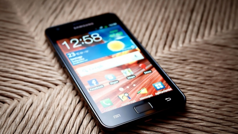 В Энгельсе подросток не вернул мобильный бывшей девушке